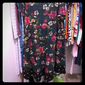 👗VGUC LLR Floral Dipped Carly👗